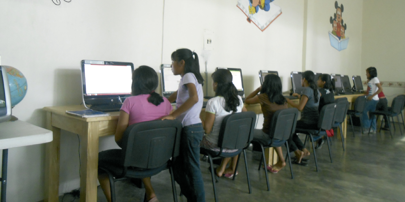 Programa de educación informática en Tapachula